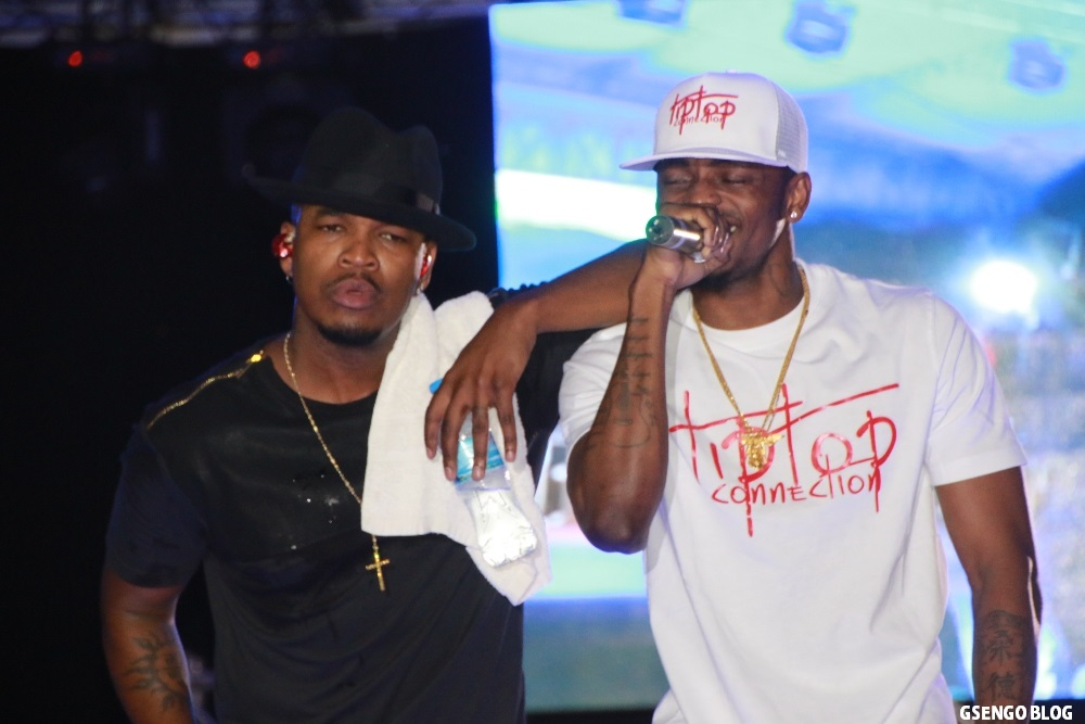 File: Diamond Platnumz performing with Neyo on a recent concert | courtesy