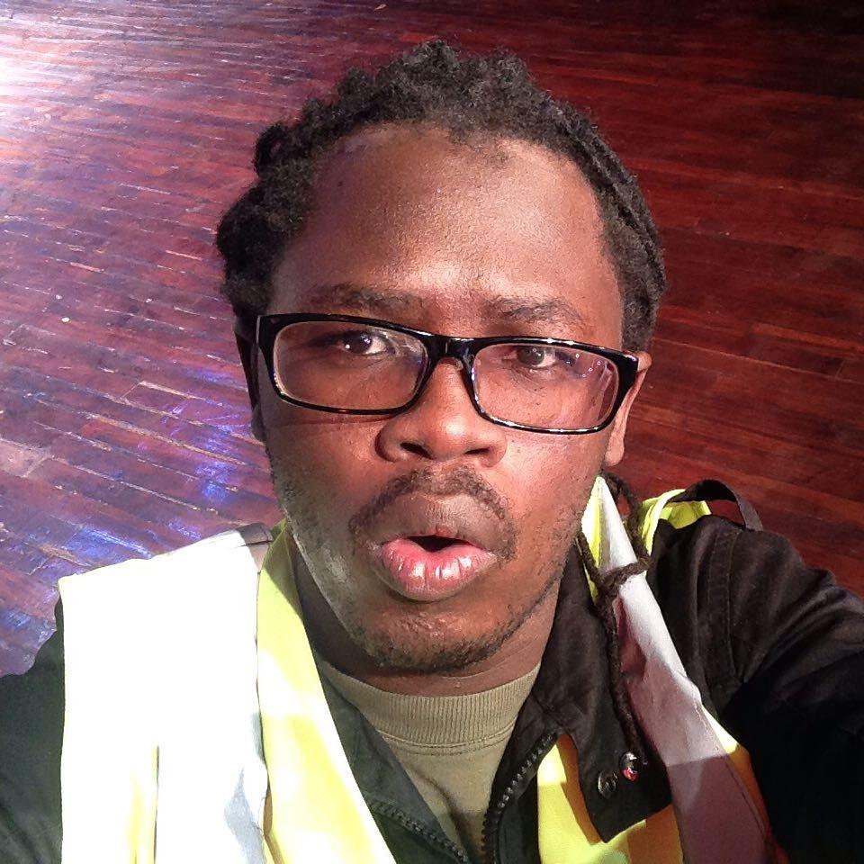 Mwafreeka. posing