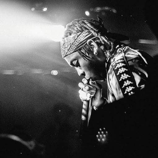 Frank Casino rocking Kappa Banda while performing. photo credit: Instagram/frankcasino