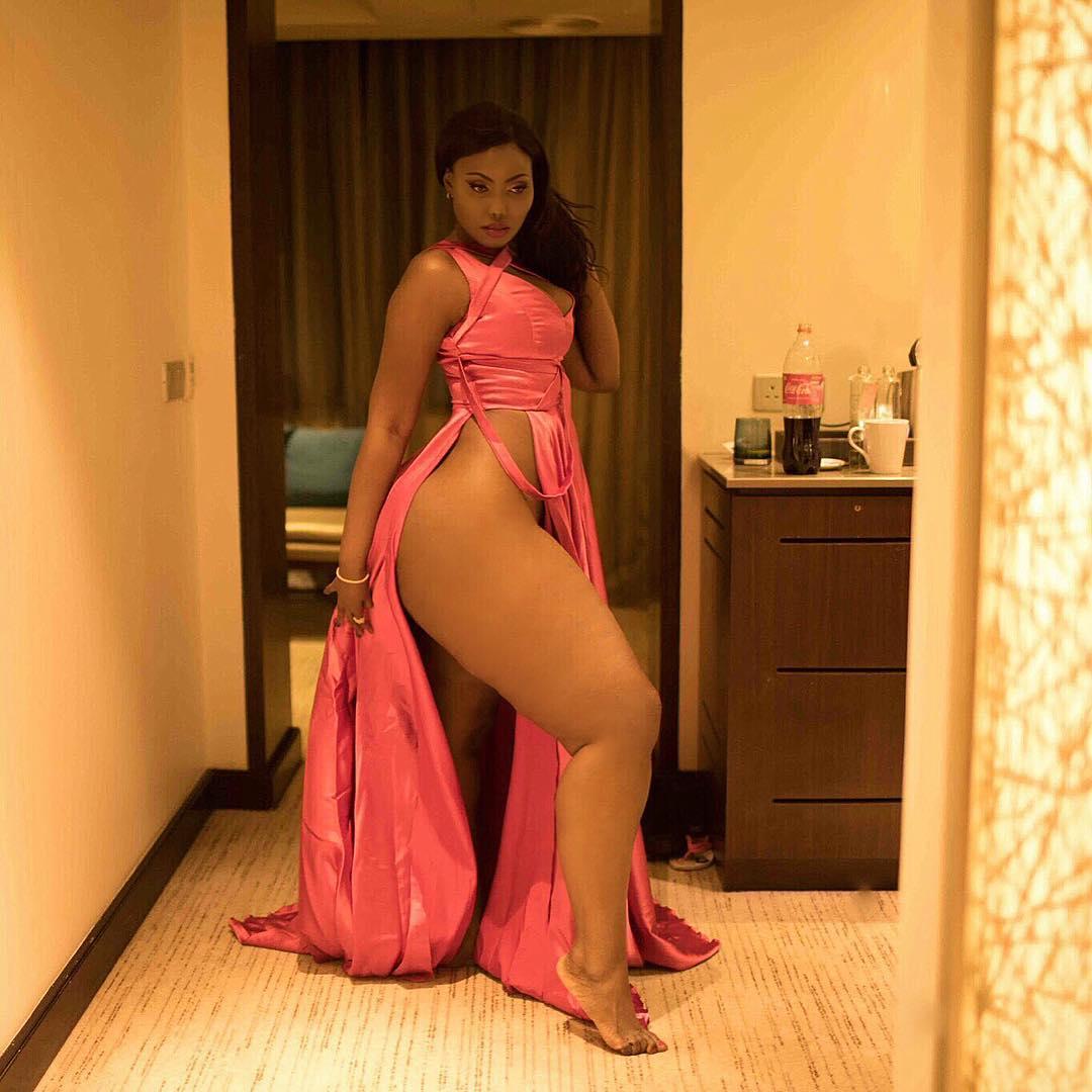 Sanchoka showing her huge, thick thighs. photo credit: Instagram/sanchiworld