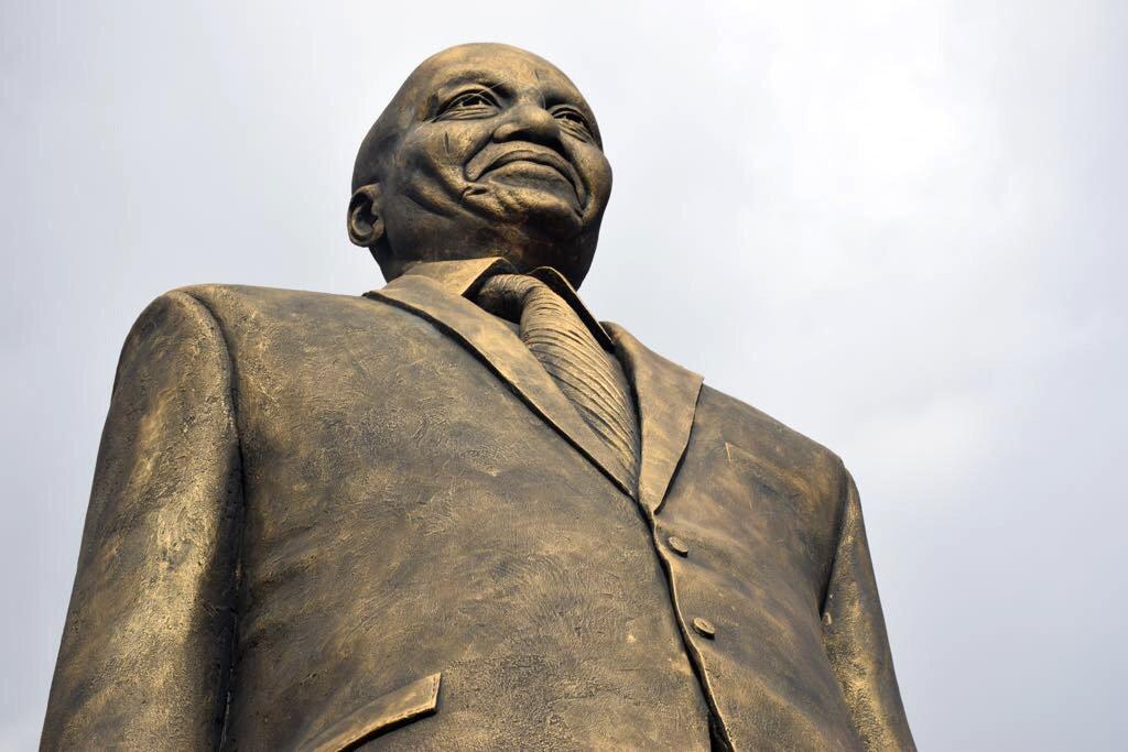 President Jacob Zuma's statue in Imo State, Nigeria. photo credit: Twitter/PresidencyZA