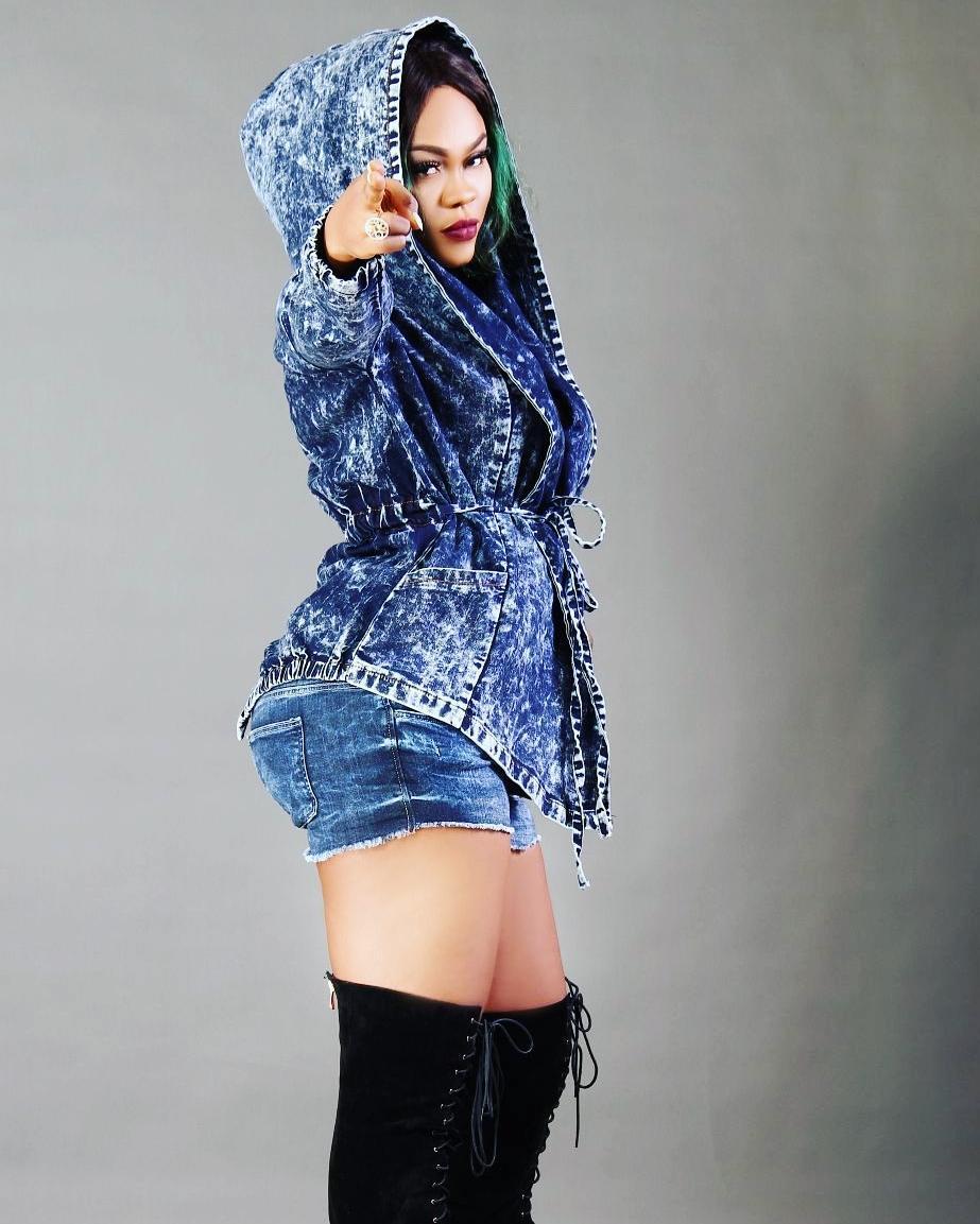 Daniella Okeke posing