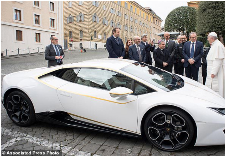 Pope Francis Auctions 22 5 Million Lamborghini Which Given To Him As
